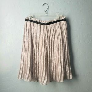 DownEast Basics Gray Metallic Skirt